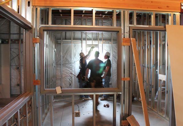 Ilustrasi Pekerjaan Pembangunan Rumah Oleh Kontraktor